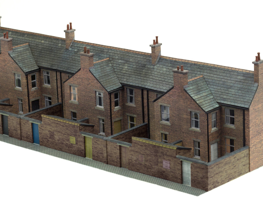 T008 Low Relief House Backs Scalescenes